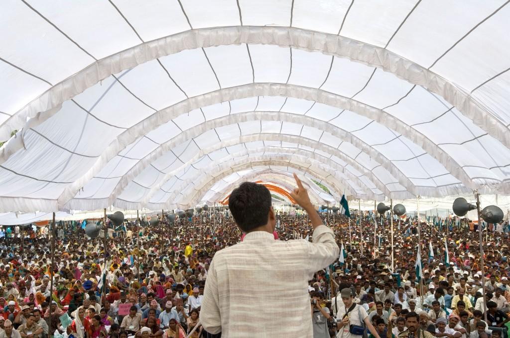 Rajagopal hablando delante de 25,000 personas - Janadesh 2007, India