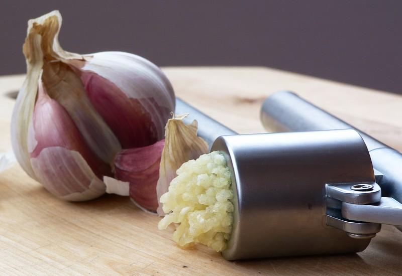 Beneficios de comer el ajo con el estómago vacío