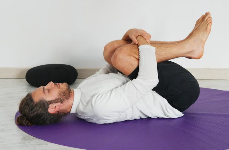 Postura de apanasana