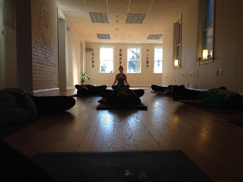 Cómo reconocer un buen maestro de yoga